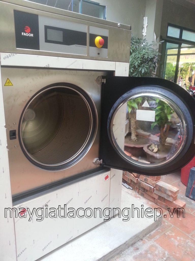cung cấp máy giặt công nghiệp