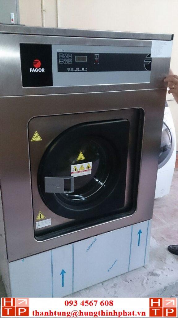Máy giặt công nghiệp 12kg