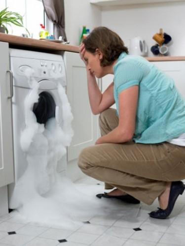 máy giặt bị rò rỉ