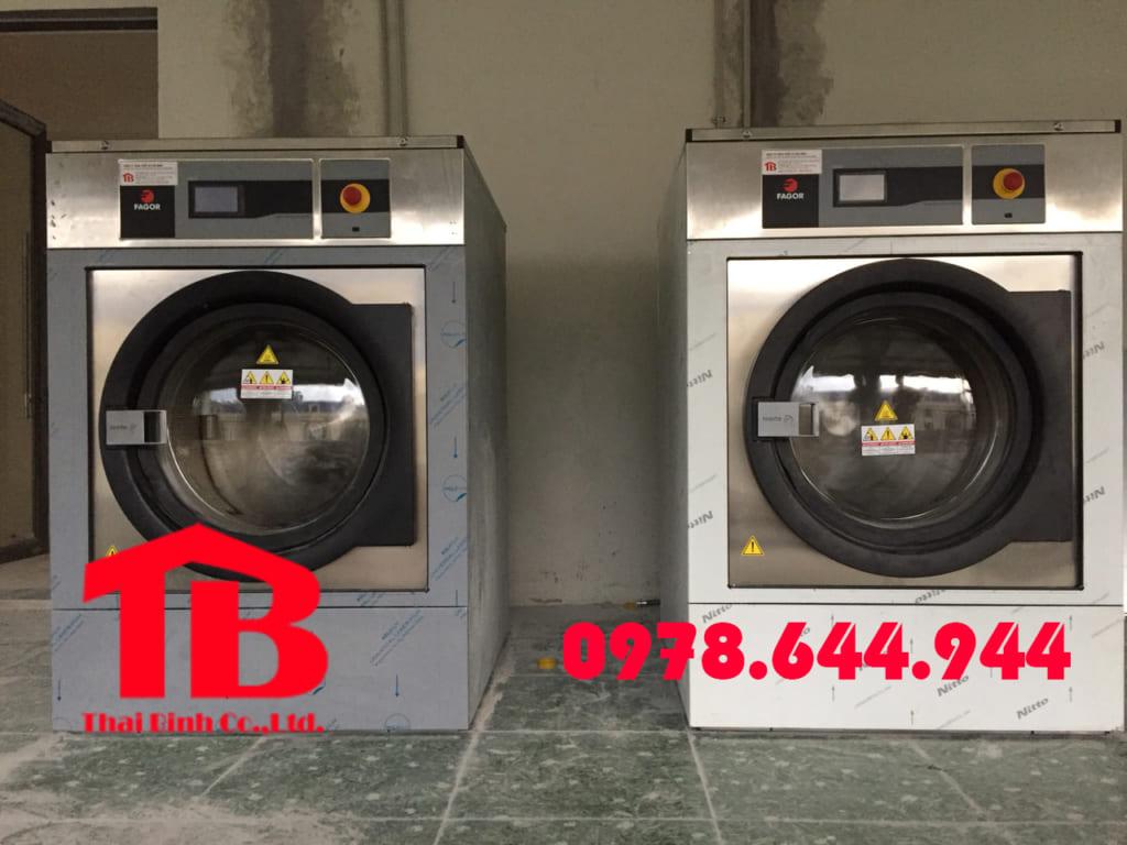 Công suất máy giặt công nghiệp cho khách sạn